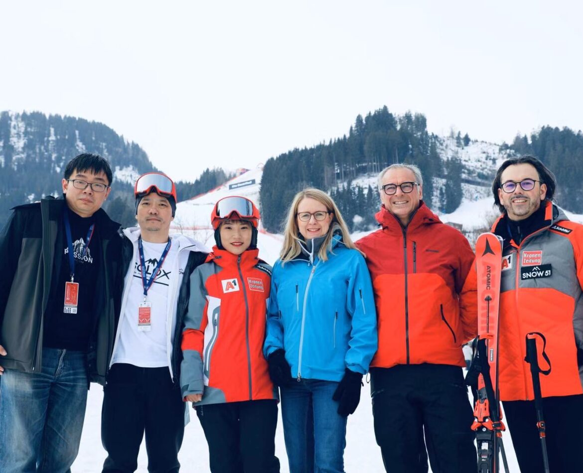 1.000 SKI INSTRUCTORS FOR CHINA!